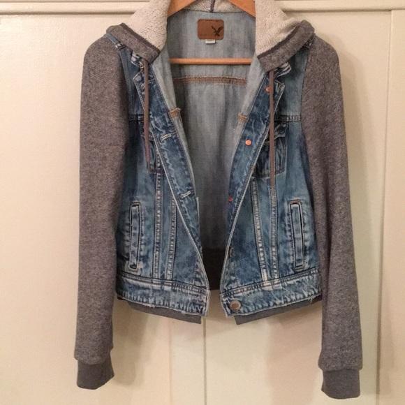 088798e9e American Eagle women denim jacket hoodie sleeves